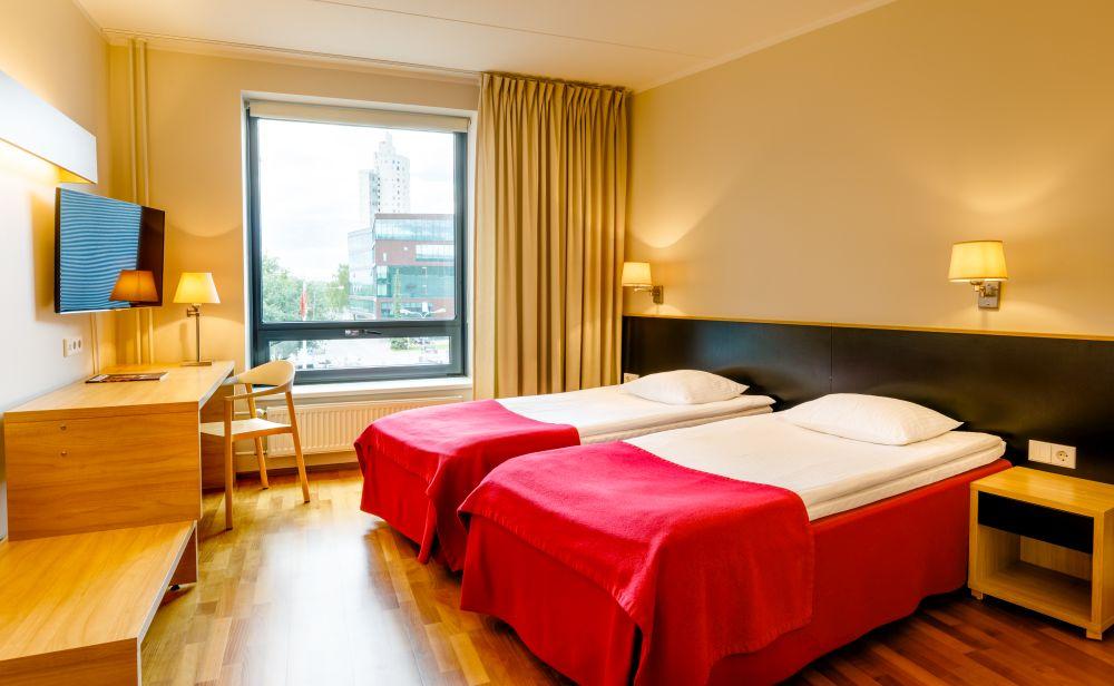 Hotell Dorpat, kahene tuba