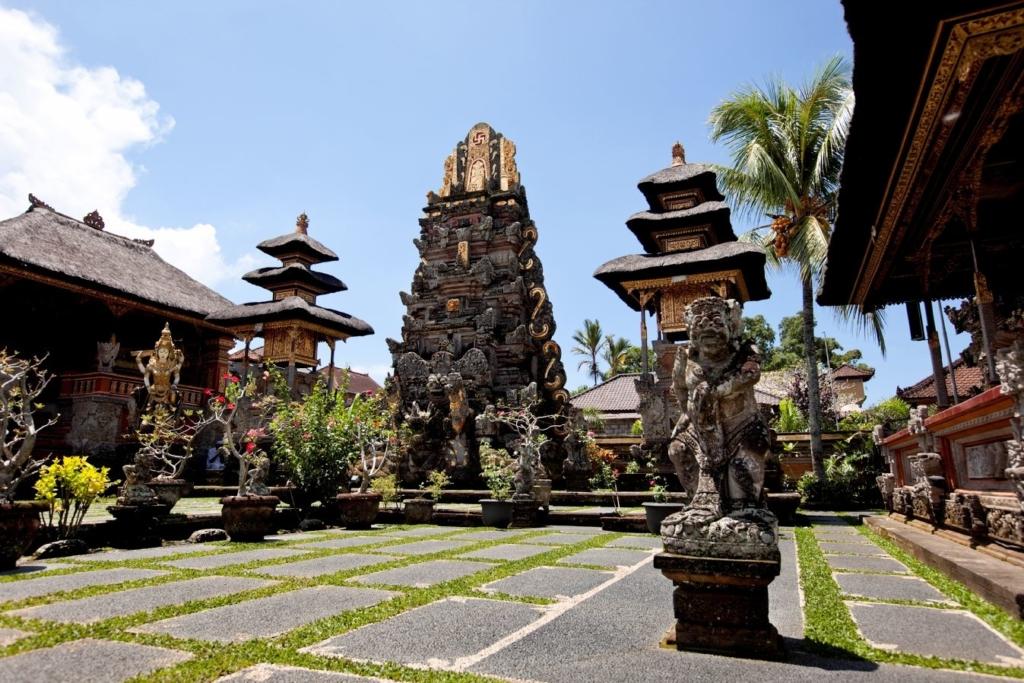 Bali, Indoneesia – rannad, templid ja jooga