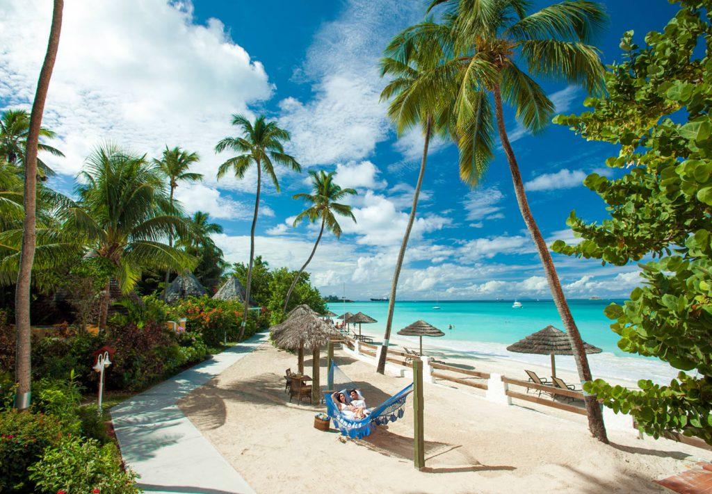 Abiellumine Kariibi mere saartel Sandalsi kuurortides